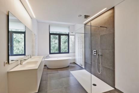 Fliesen Sind Vielfältig Einzusetzen. Verleihen Sie Ihren Räumen Eine Ganz  Individuelle Note. Wir Gestalten Ihnen Ihr Badezimmer Ganz Nach Ihren ...